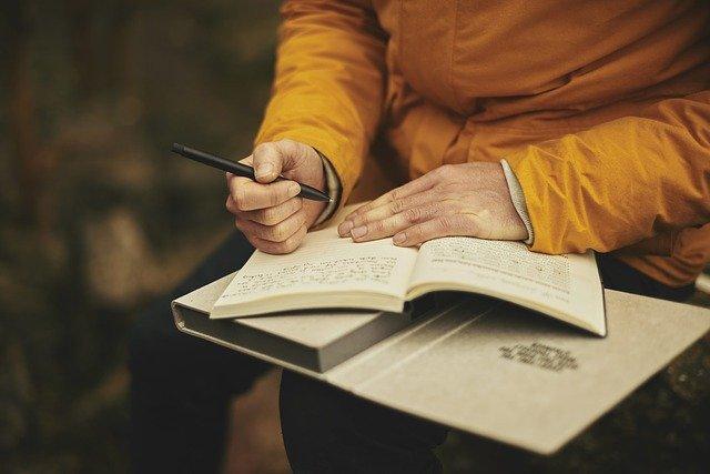 Sinnvolle Hobbys Tagebuch schreiben